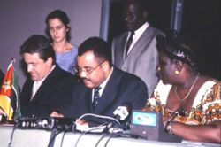 Signing of Memorandum of Understanding by Programme Aid Partners (right: Ms. Luisa Diogo, Prime Minister and Minister of Planning and Finance in Mozambique)
