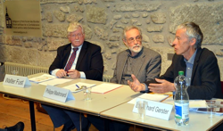 Philippe Mastronardi (facilitator) with Walter Fust (left) and Richard Gerster (right)